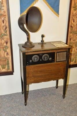 KMA-Shenandoah-Super-Six-Radio-Console